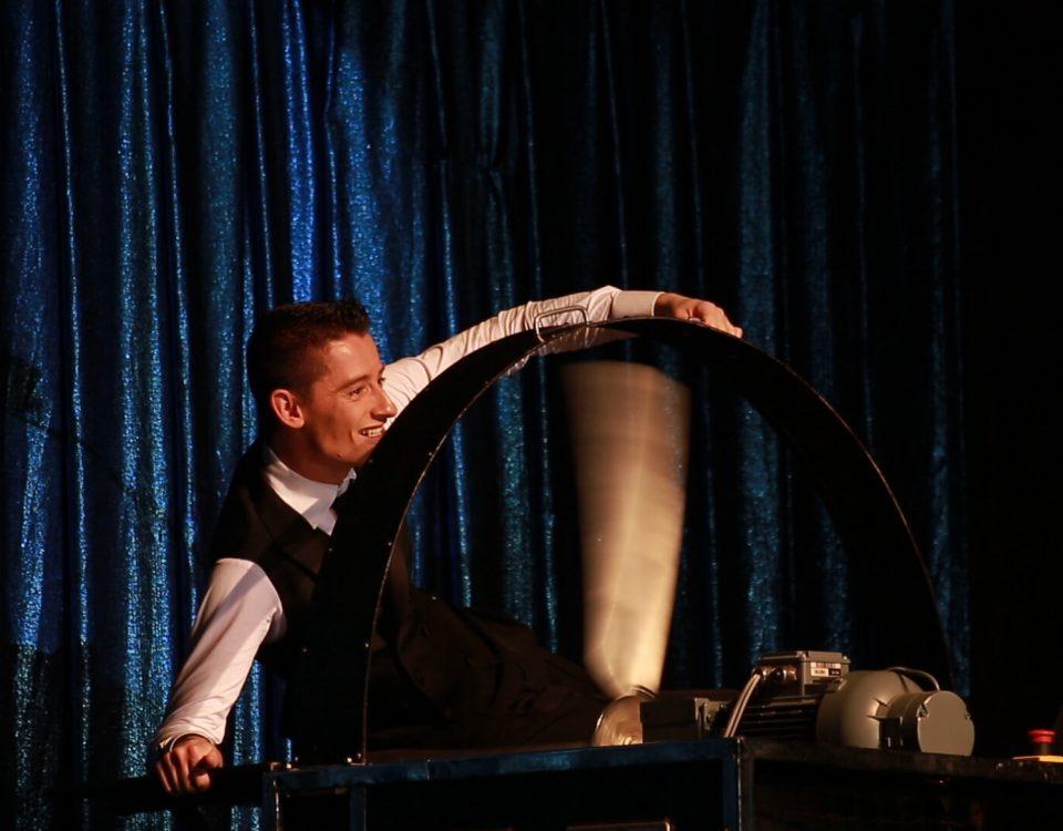 Zaubertrick - Meisterzauberer & Großillusionist Felix Jenzowsky