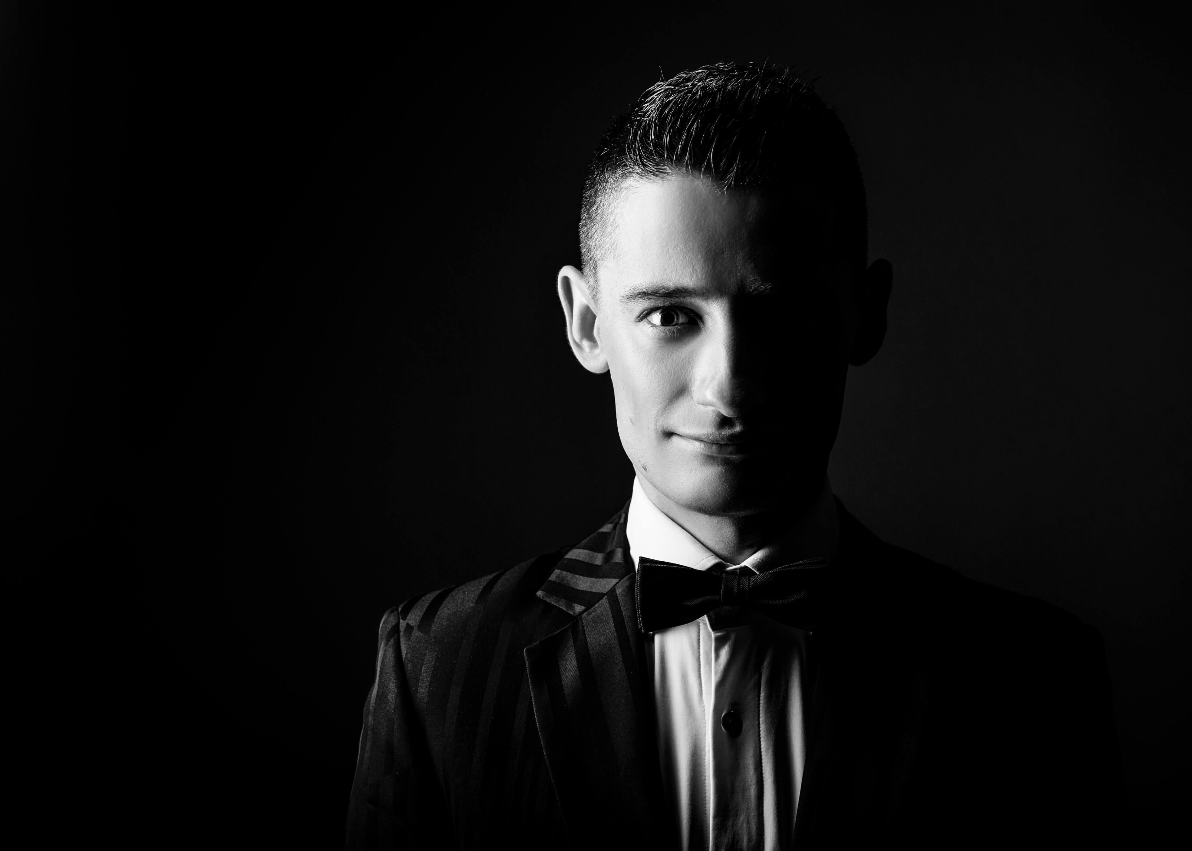 Portrait SW - Meisterzauberer & Großillusionist Felix Jenzowsky